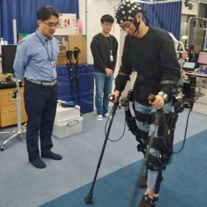 Paraplegic people walk again!